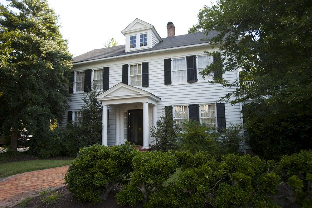 Plumeri House