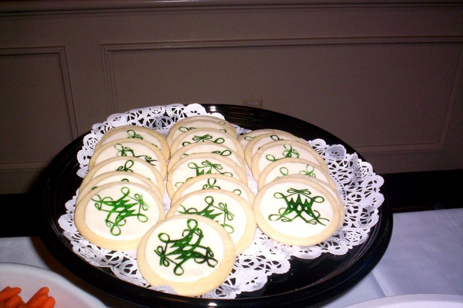 Homecoming means food, including W&M logo cookies!