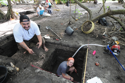 Teamo Maitia-Papa, a local Tahitian crew member, and Kelly O'Toole '14 excavate in French Polynesia under the direction of Jenny Kahn (photo courtesy of Jenny Kahn).