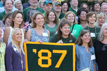 The class of 1987 shows its Tribe pride. (Photo by Stephen Salpukas)