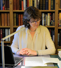 Omohundro Institute fellow and historian Suzanne Schwarz in Windsor Castle's reading room. (Photo courtesy of the Royal Archives)