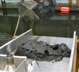 The type of sediment grab used to collect samples for the study. Photo by Mike Unger.