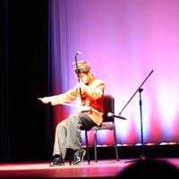 Chen Chaouyue playing the erhu.
