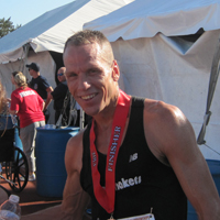 Men's 8k winner Tracy Lokken