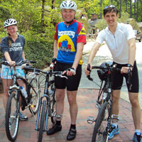 Brianna Buch '15, left, and Gabriel Morey '15, right, teamed up with long-time cycling advocate Rich Thompson, Sadler Center associate director for operations, and other staff and faculty to launch the W&M Bike Initiative last year.