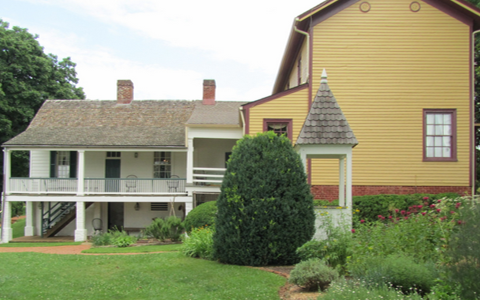 On the left is James Monroe's 1818 presidential guest house, long believed to be the surviving wing of the 1799 main house. On the right is the house built by the Massey family, who were later owners of the property.