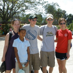 Peter Klicker '12 with volunteers in Honduras